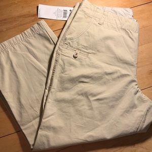 Columbia khaki capri pants size 14 NWT